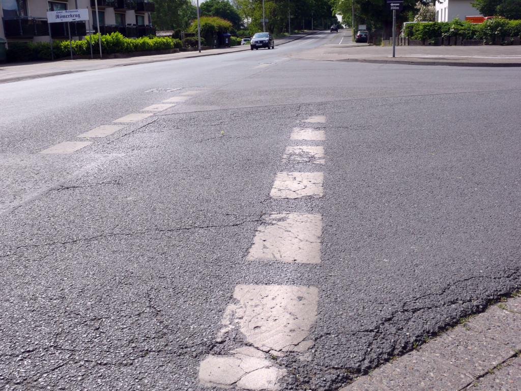 """Die Radwegefurten im Verlauf der Straße """"Am Schafbrinke"""" sollen in rot deutlich markiert werden."""