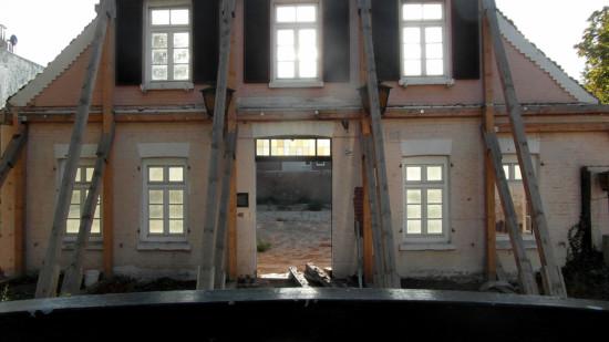 Jetzt auch abgerissen: Letzter Teil der Fassade der historischen Gastwirtschaft Wichmann in Döhren